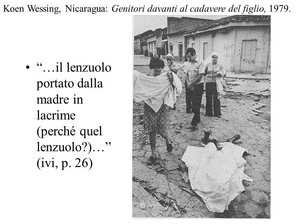 Koen Wessing, Nicaragua: Genitori davanti al cadavere del figlio, 1979.