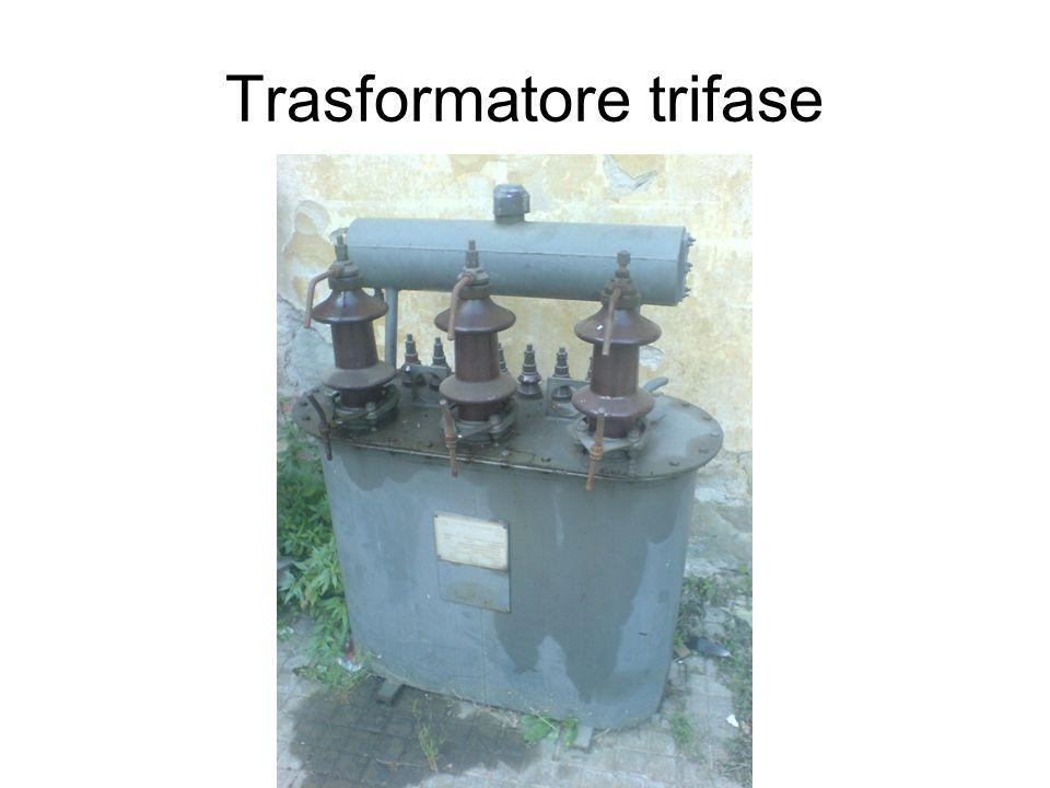 Trasformatore trifase