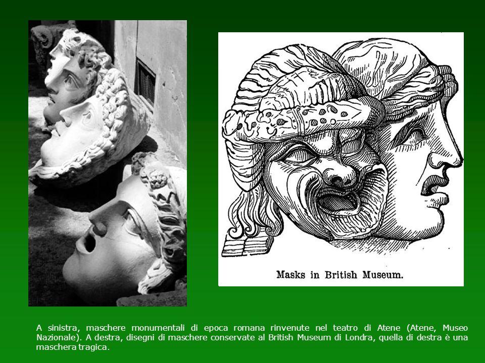 A sinistra, maschere monumentali di epoca romana rinvenute nel teatro di Atene (Atene, Museo Nazionale).