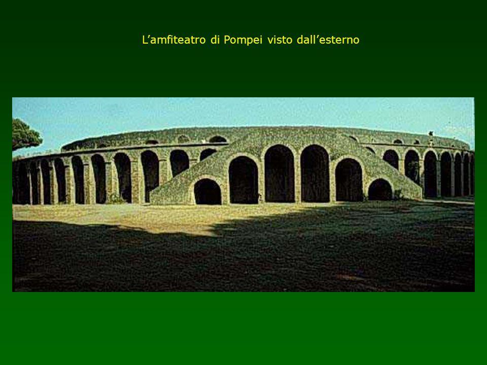 L'amfiteatro di Pompei visto dall'esterno