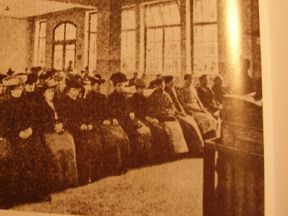 Riunione alla Camera del lavoro di Milano,.