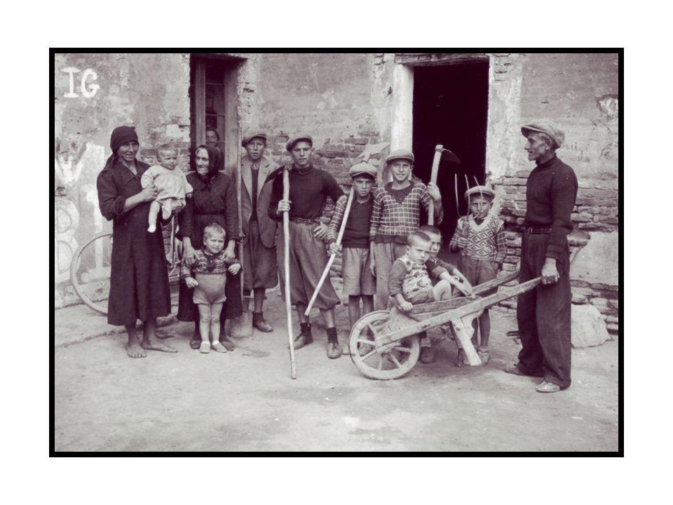 A. Bruni, Famiglia di contadini, 1930 , in Ritratti