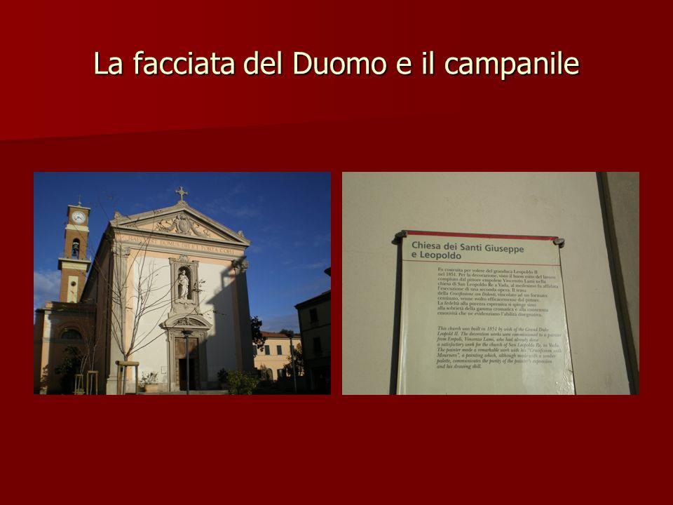 La facciata del Duomo e il campanile