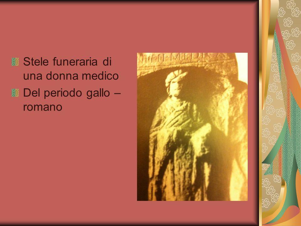 Stele funeraria di una donna medico