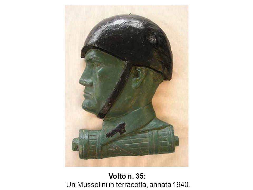 Un Mussolini in terracotta, annata 1940.