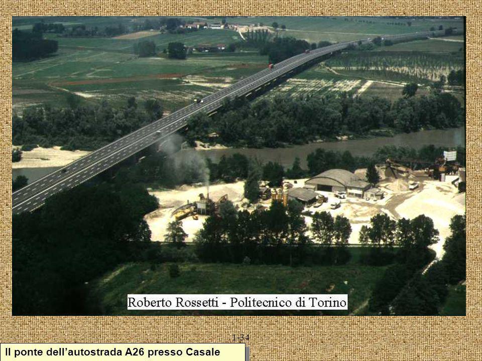 Il ponte dell'autostrada A26 presso Casale