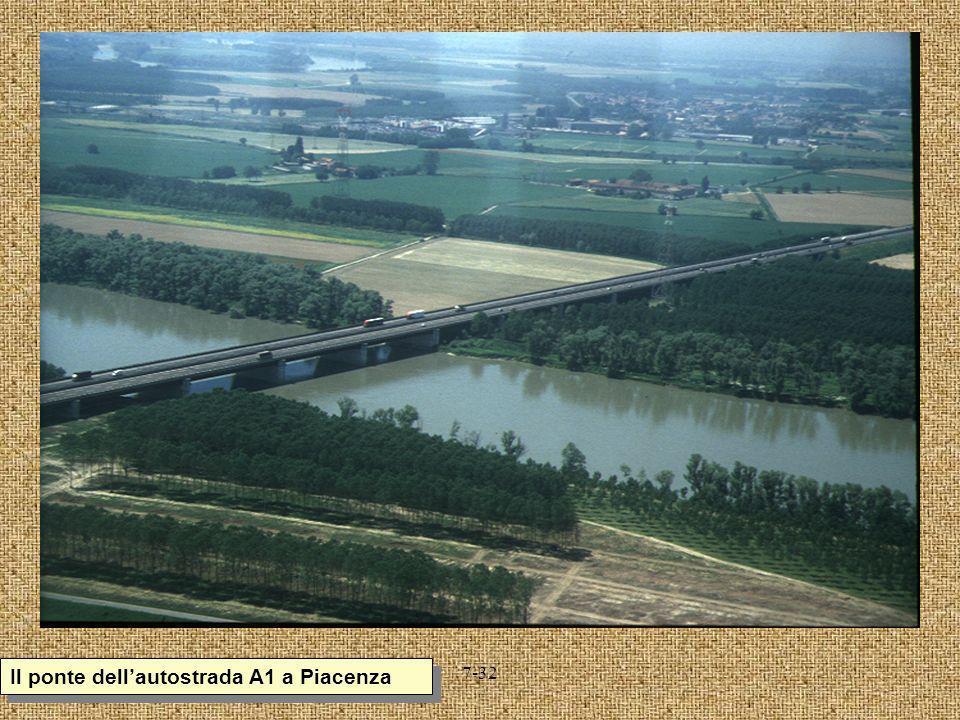 Il ponte dell'autostrada A1 a Piacenza