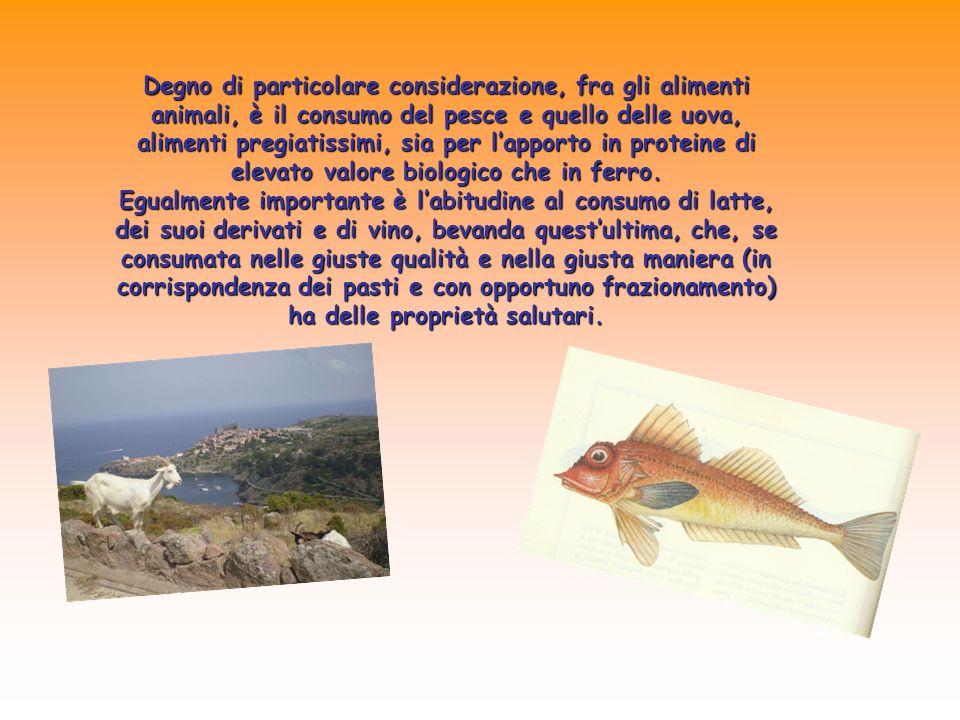 Degno di particolare considerazione, fra gli alimenti animali, è il consumo del pesce e quello delle uova, alimenti pregiatissimi, sia per l'apporto in proteine di elevato valore biologico che in ferro.