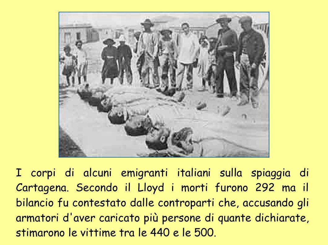 I corpi di alcuni emigranti italiani sulla spiaggia di Cartagena