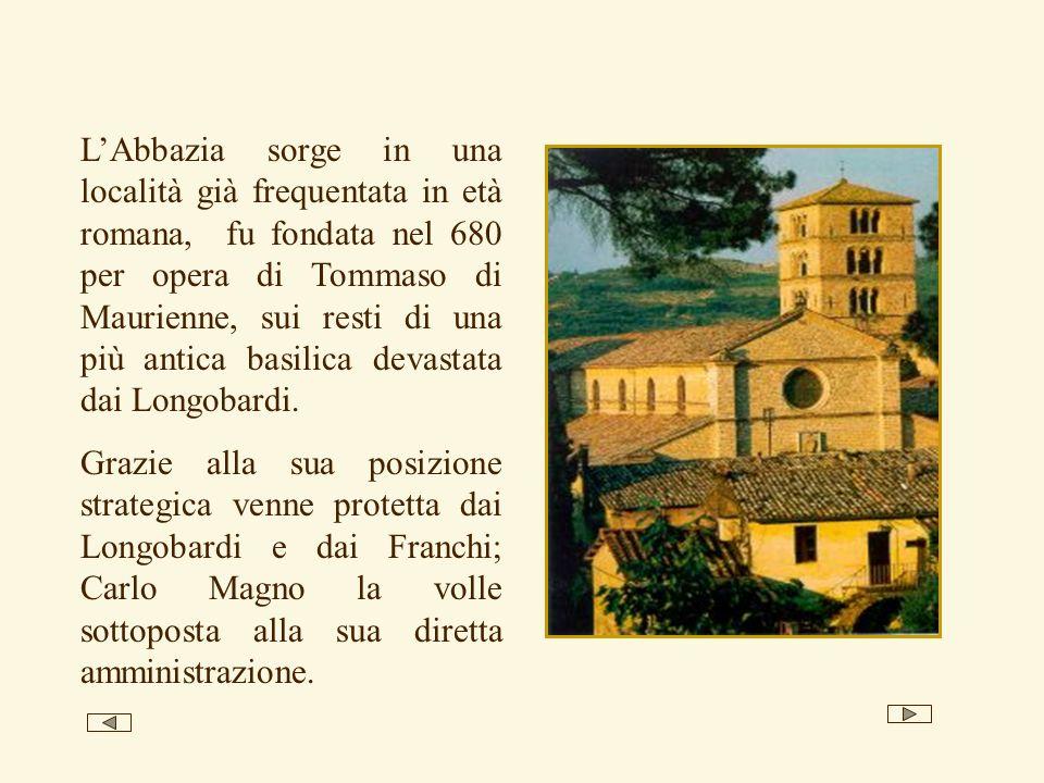 L'Abbazia sorge in una località già frequentata in età romana, fu fondata nel 680 per opera di Tommaso di Maurienne, sui resti di una più antica basilica devastata dai Longobardi.