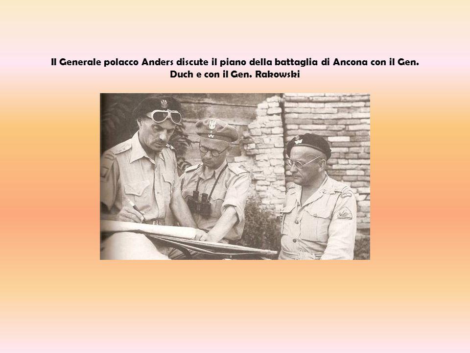 Il Generale polacco Anders discute il piano della battaglia di Ancona con il Gen.