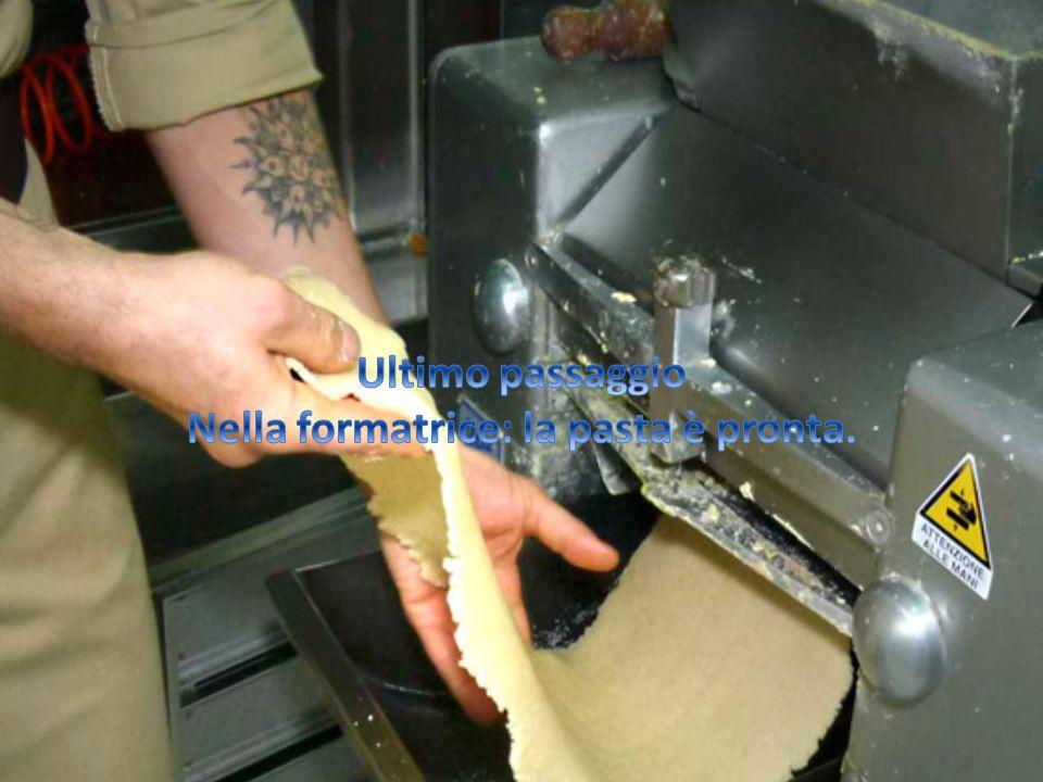 Nella formatrice: la pasta è pronta.