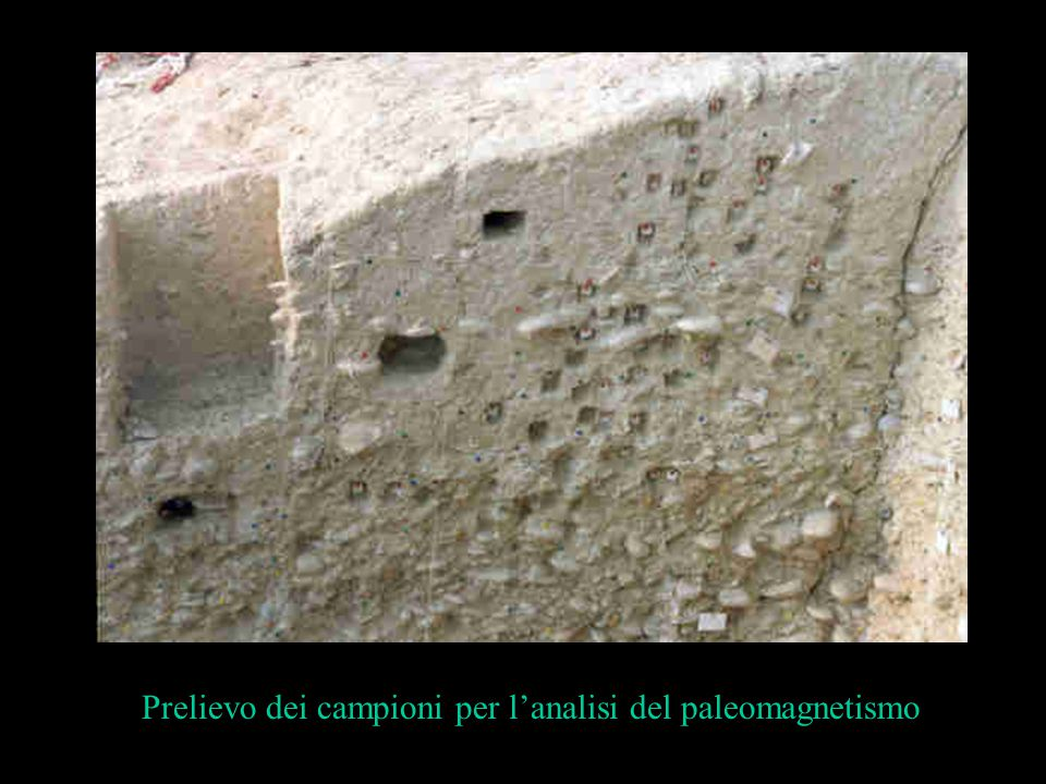 Prelievo dei campioni per l'analisi del paleomagnetismo