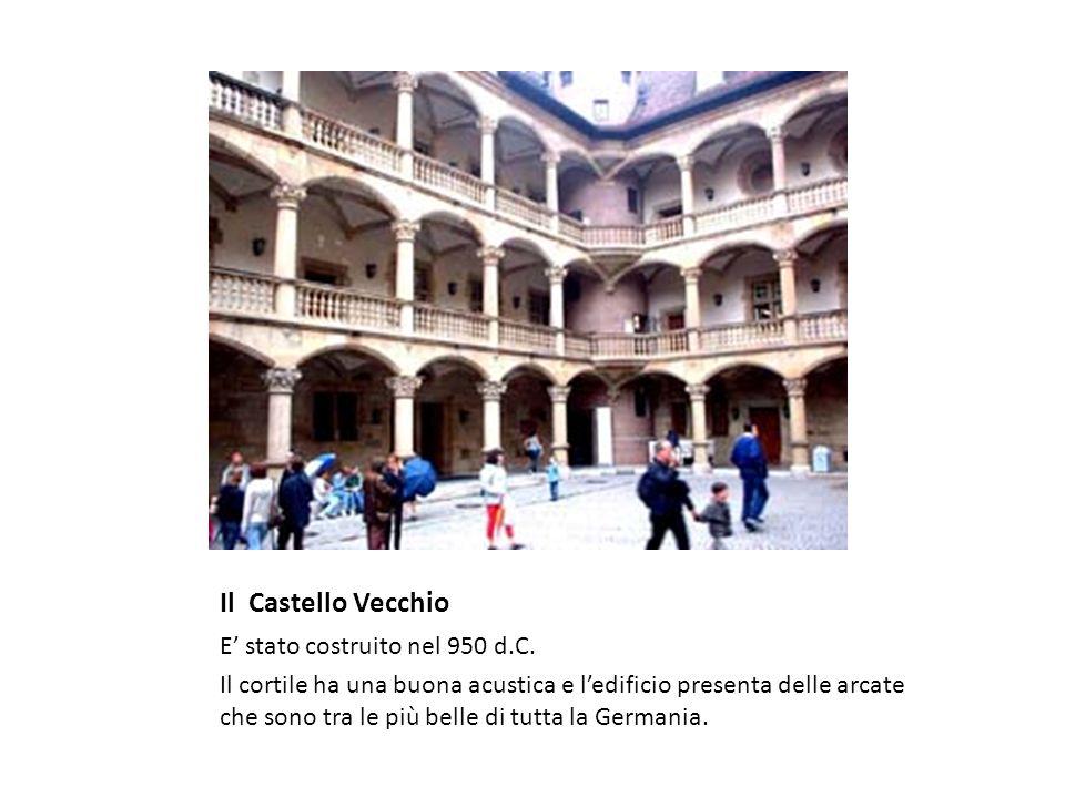 Il Castello Vecchio E' stato costruito nel 950 d.C.