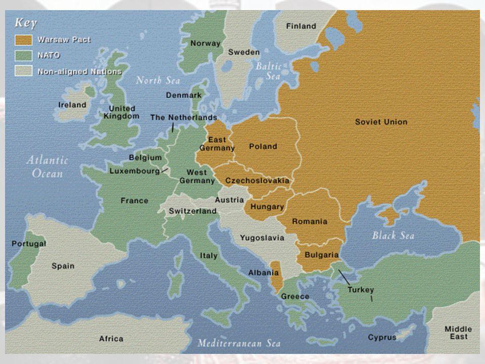 La nascita della NATO Il 9 maggio 1955 la RFT entra a far parte della NATO.