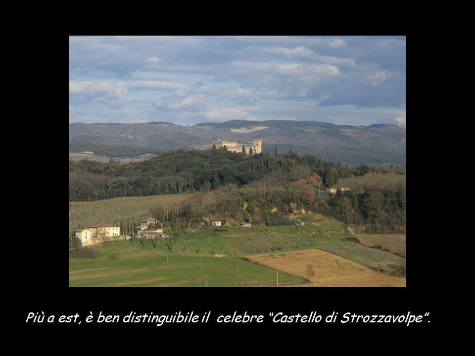 Più a est, è ben distinguibile il celebre Castello di Strozzavolpe .