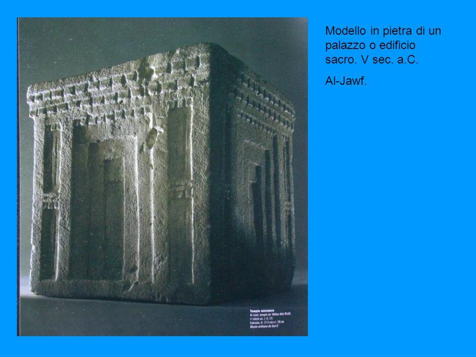 Modello in pietra di un palazzo o edificio sacro. V sec. a.C.