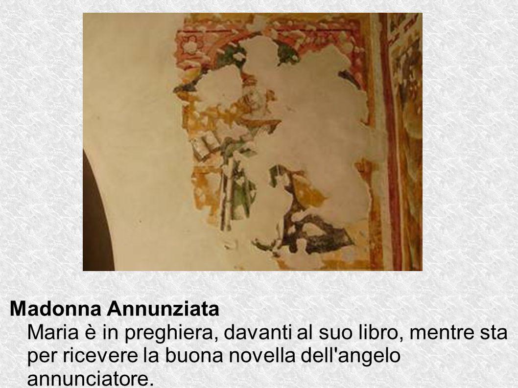 Madonna Annunziata Maria è in preghiera, davanti al suo libro, mentre sta per ricevere la buona novella dell angelo annunciatore.