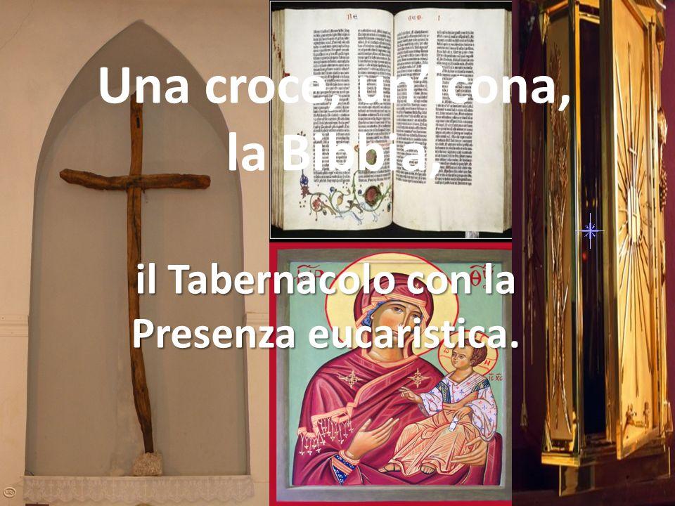 Una croce, un'icona, la Bibbia,