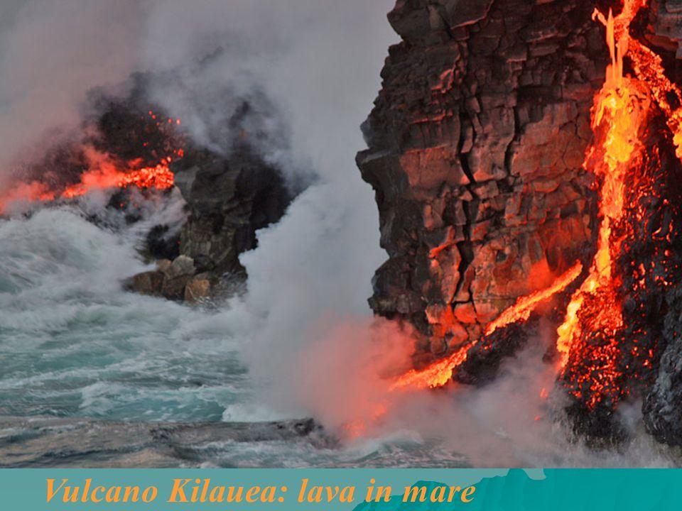 Vulcano Kilauea: lava in mare