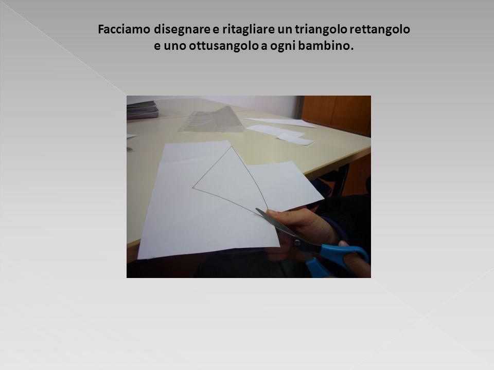 Facciamo disegnare e ritagliare un triangolo rettangolo