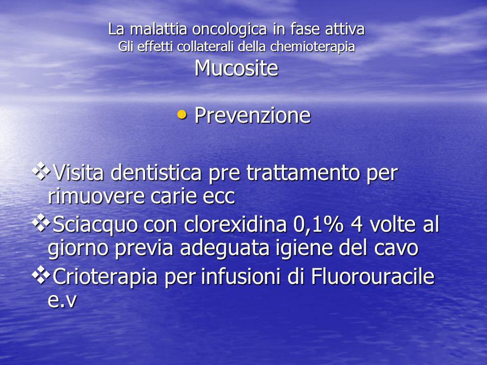 Visita dentistica pre trattamento per rimuovere carie ecc