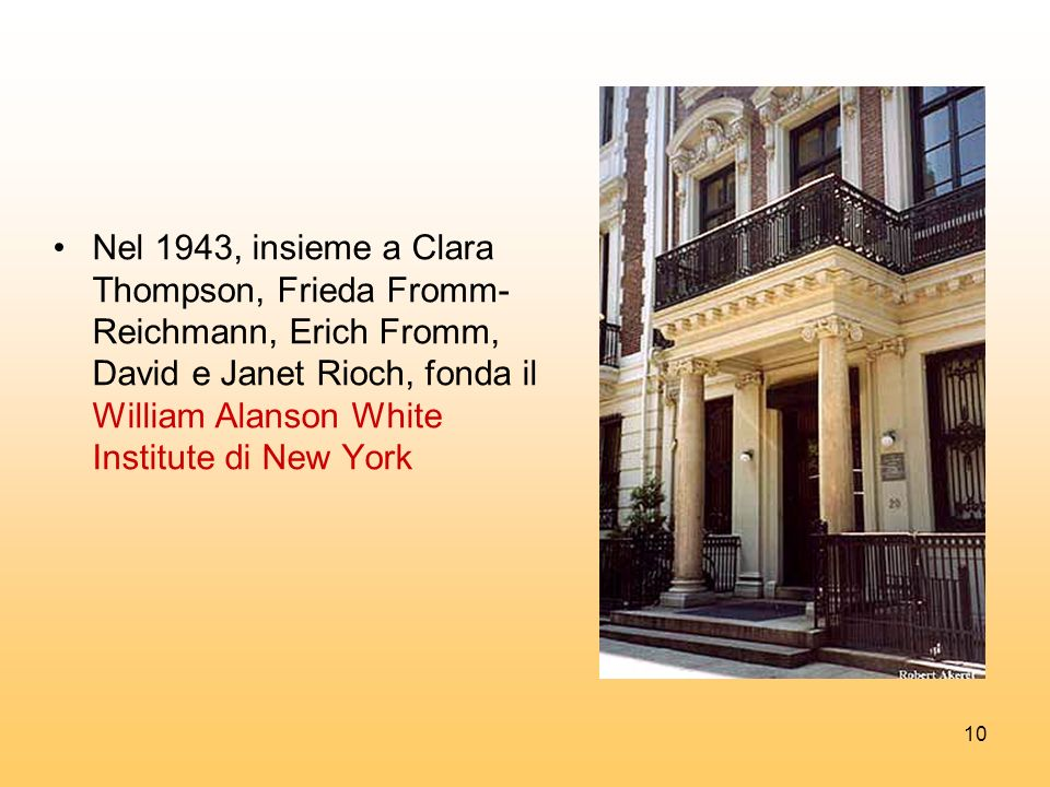 Nel 1943, insieme a Clara Thompson, Frieda Fromm-Reichmann, Erich Fromm, David e Janet Rioch, fonda il William Alanson White Institute di New York