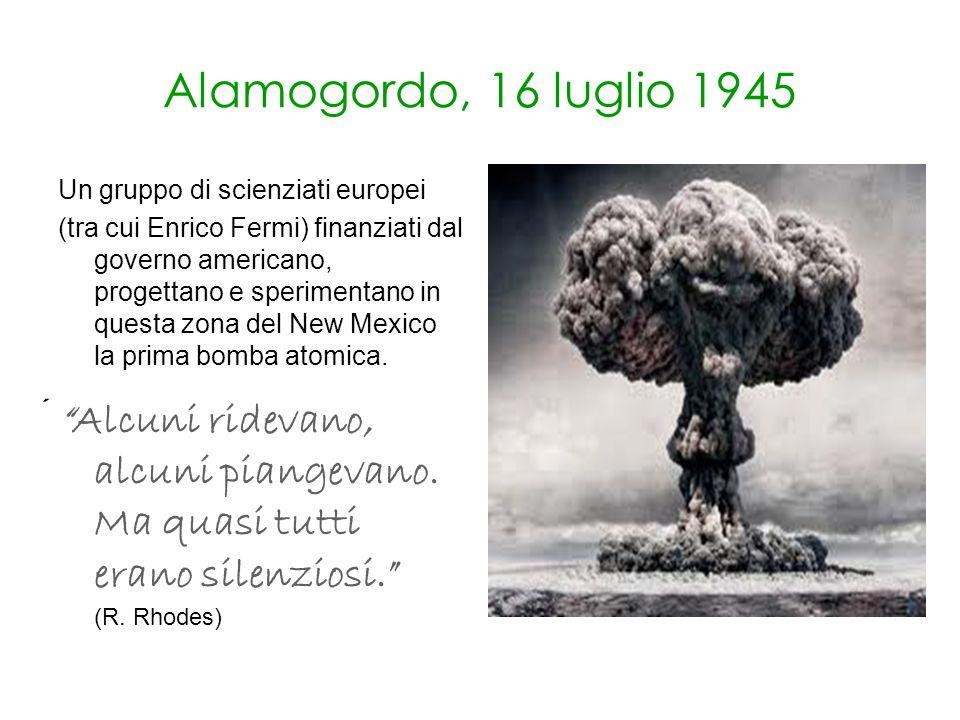 Alamogordo, 16 luglio 1945 Un gruppo di scienziati europei.