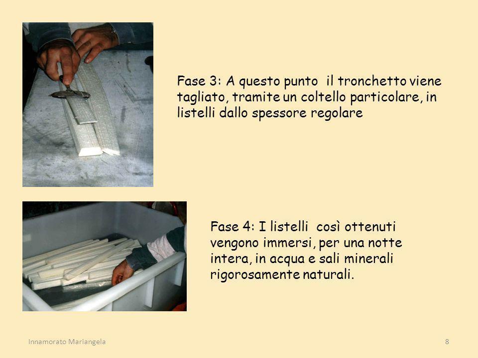 Fase 3: A questo punto il tronchetto viene tagliato, tramite un coltello particolare, in listelli dallo spessore regolare