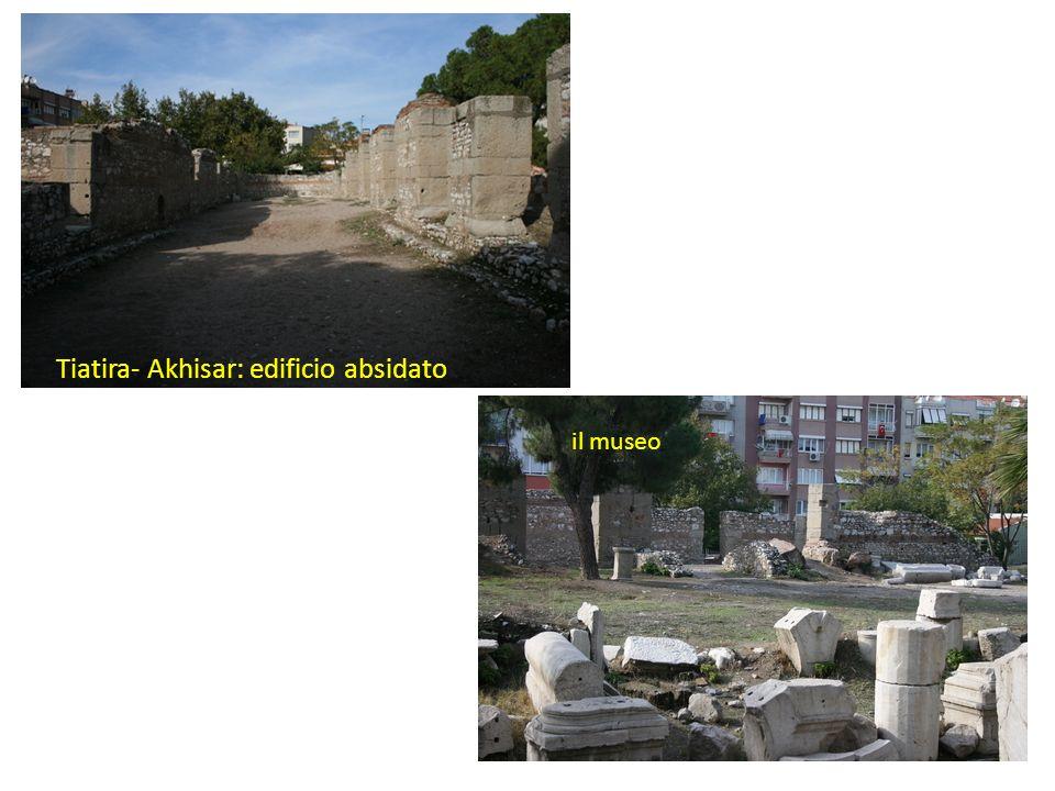 Tiatira- Akhisar: edificio absidato