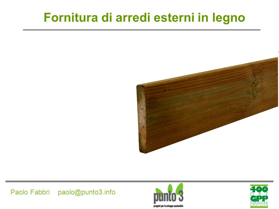 Fornitura di arredi esterni in legno