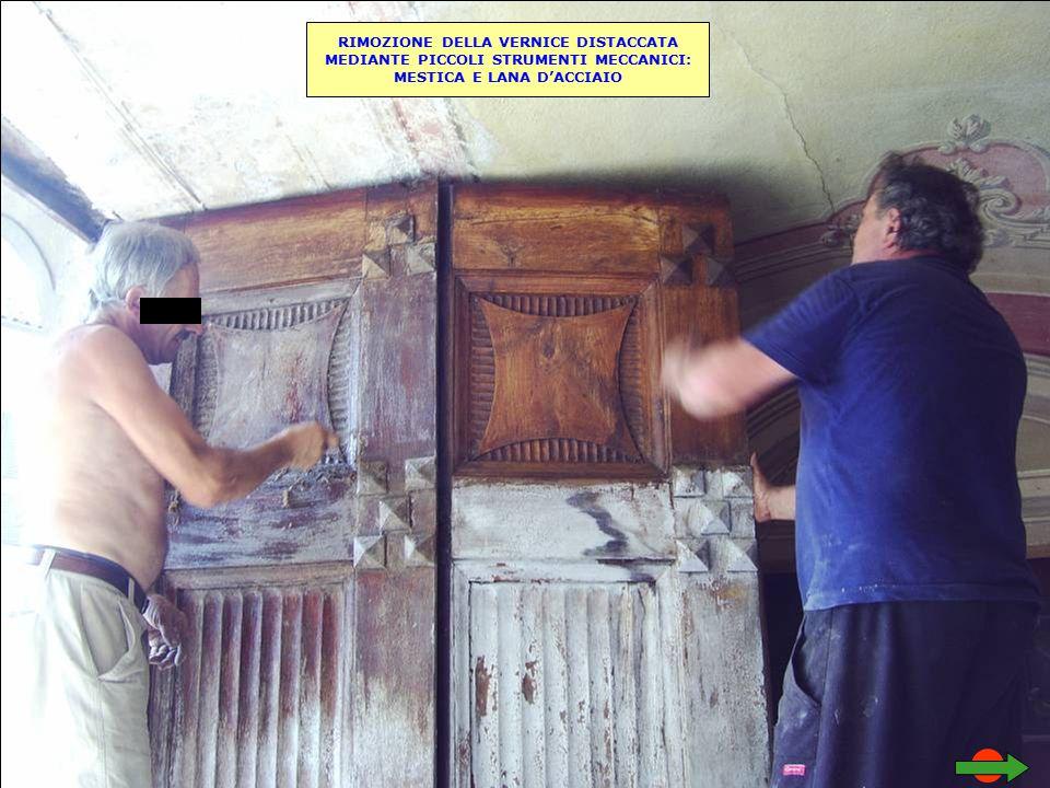 RIMOZIONE DELLA VERNICE DISTACCATA