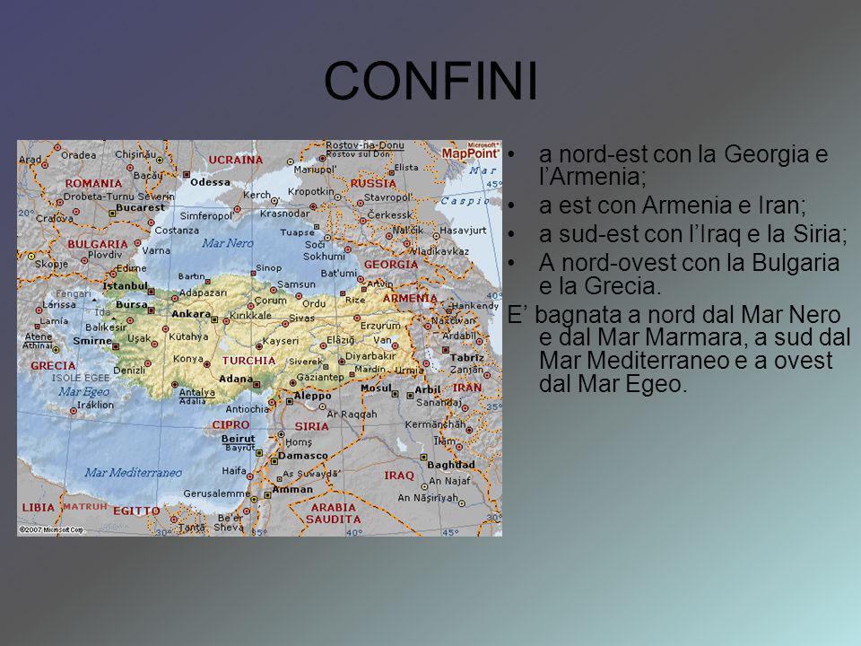 CONFINI a nord-est con la Georgia e l'Armenia;