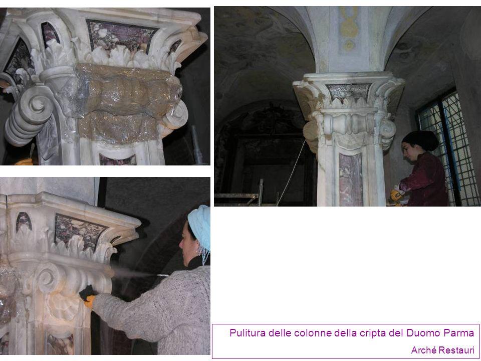 Pulitura delle colonne della cripta del Duomo Parma