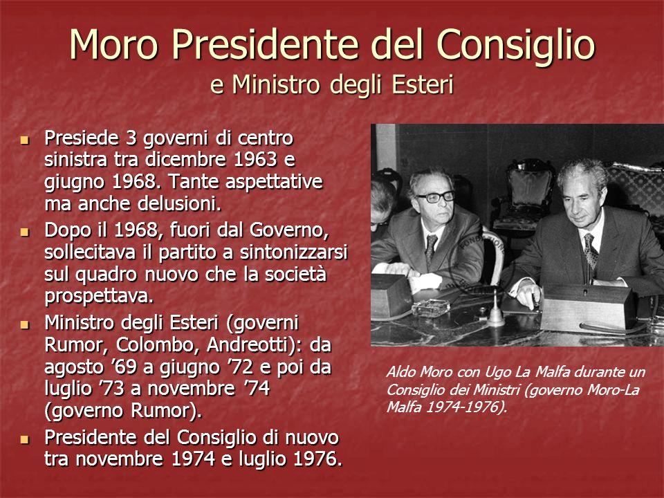 Moro Presidente del Consiglio e Ministro degli Esteri