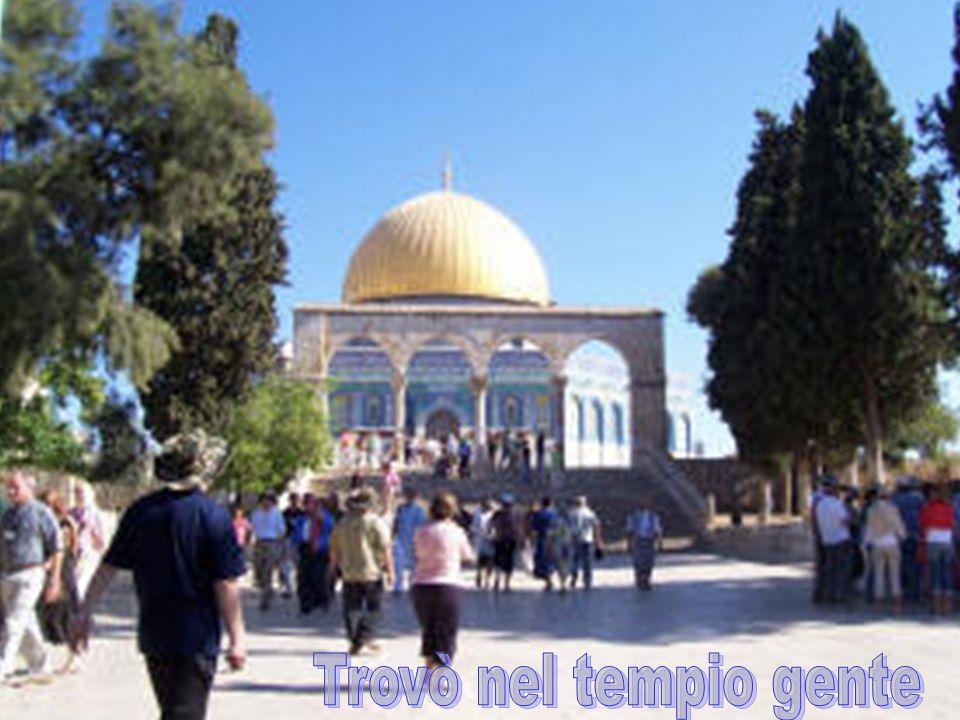 Trovò nel tempio gente Trovò nel tempio gente