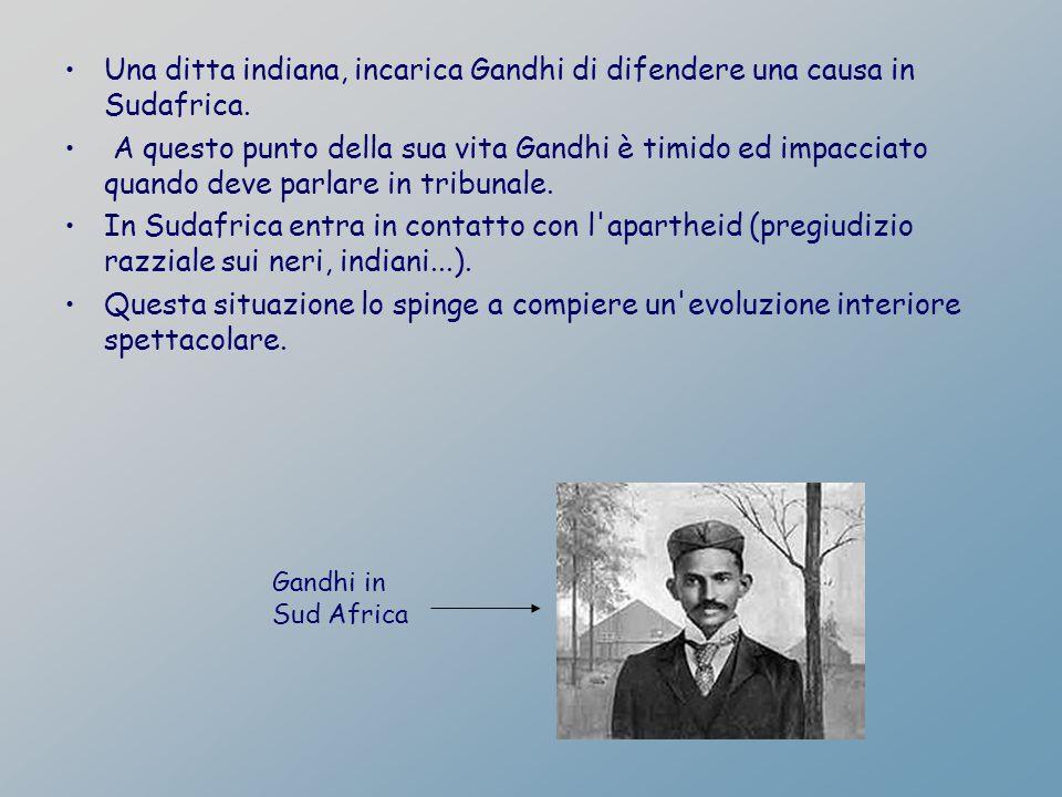 Una ditta indiana, incarica Gandhi di difendere una causa in Sudafrica.