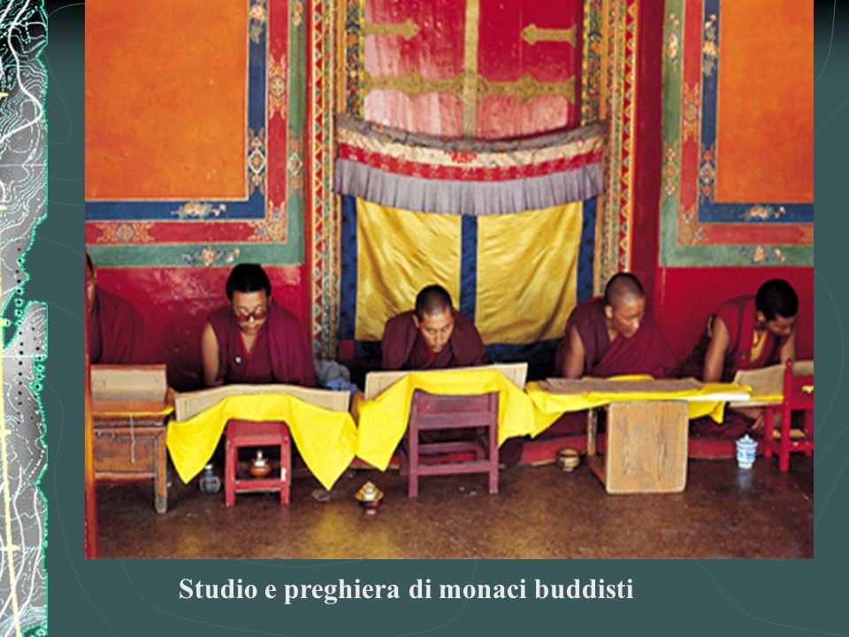 Studio e preghiera di monaci buddisti