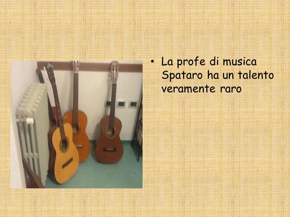 La profe di musica Spataro ha un talento veramente raro
