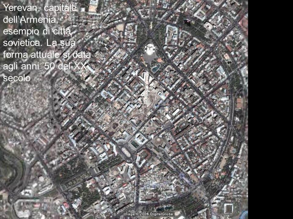 Yerevan, capitale dell'Armenia, esempio di città sovietica