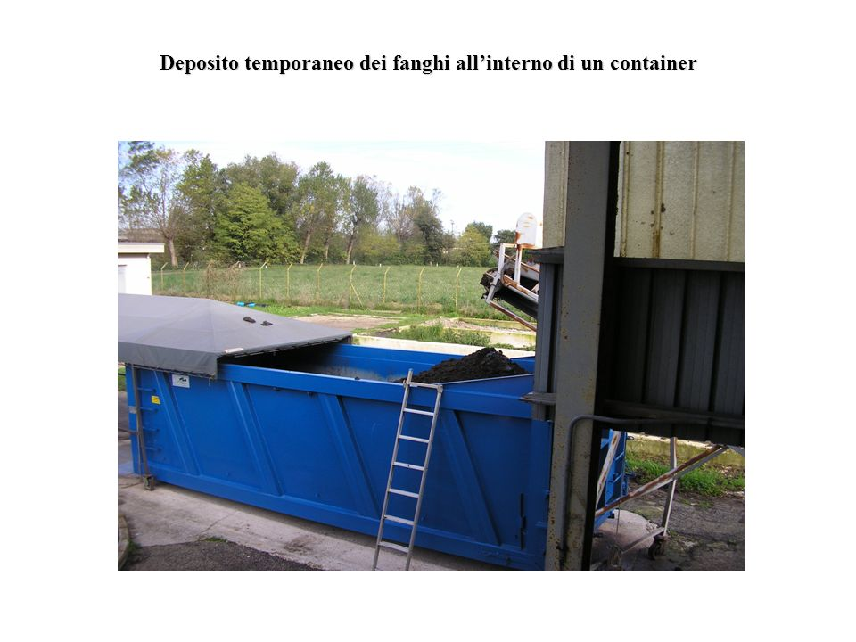 Deposito temporaneo dei fanghi all'interno di un container