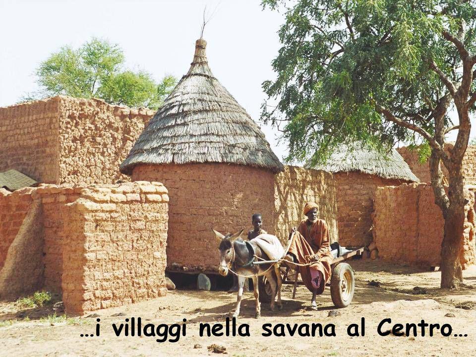 …i villaggi nella savana al Centro…