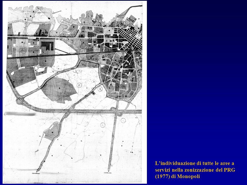 L'individuazione di tutte le aree a servizi nella zonizzazione del PRG (1977) di Monopoli