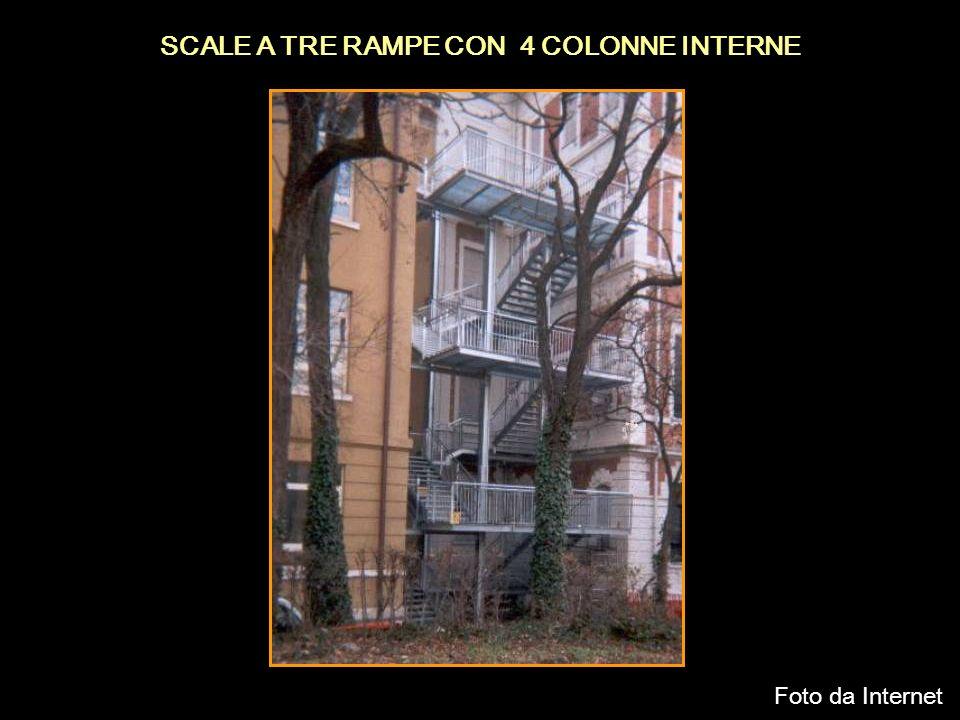 SCALE A TRE RAMPE CON 4 COLONNE INTERNE