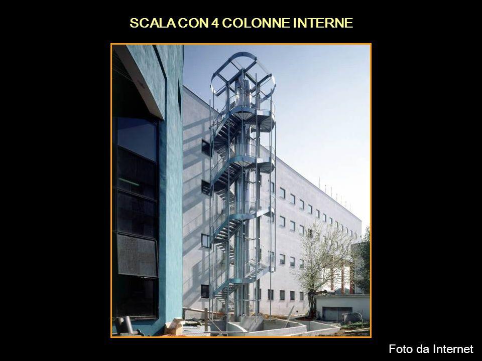 SCALA CON 4 COLONNE INTERNE