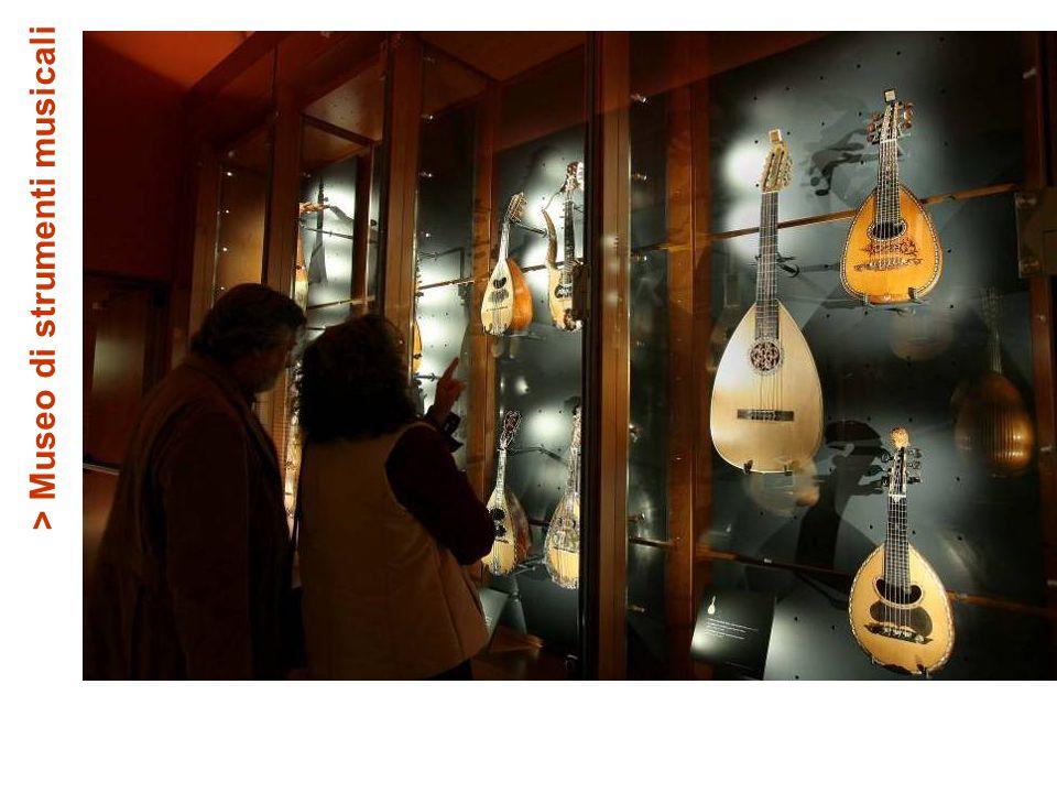 > Museo di strumenti musicali