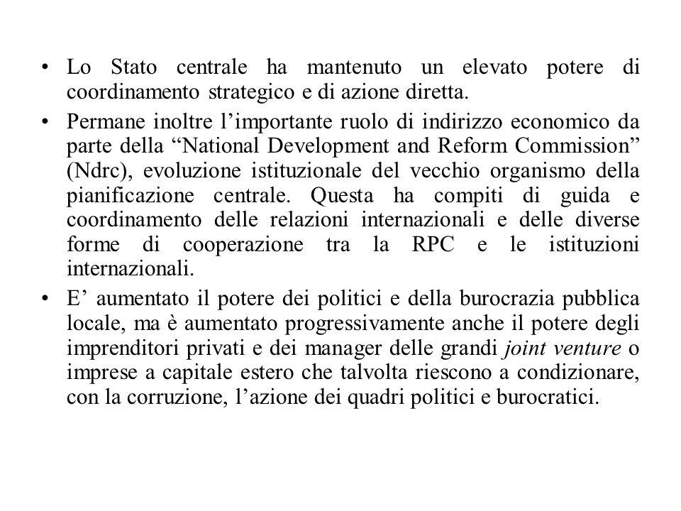 Lo Stato centrale ha mantenuto un elevato potere di coordinamento strategico e di azione diretta.
