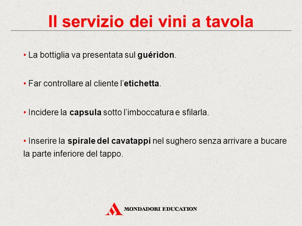 Il servizio dei vini a tavola