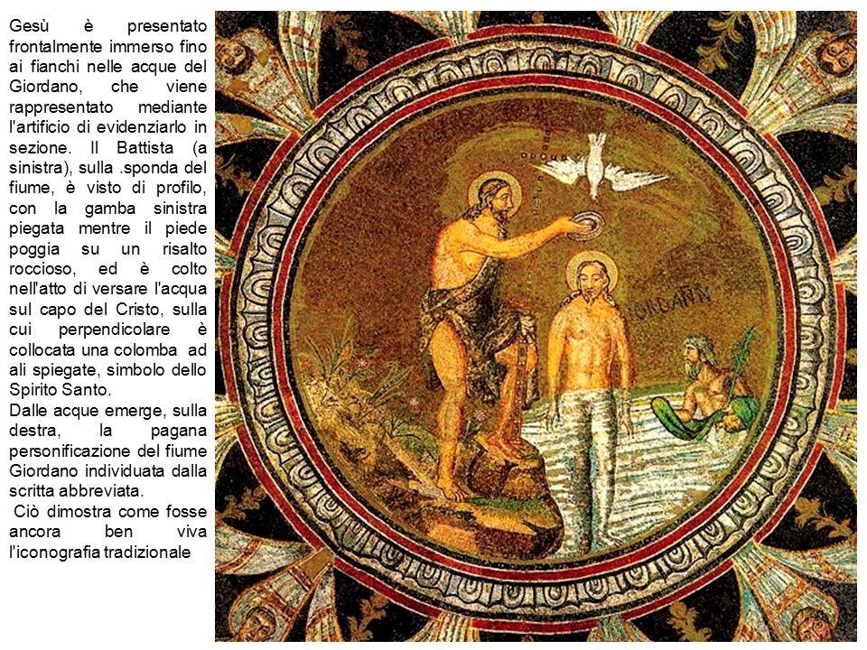 Gesù è presentato frontalmente immerso fino ai fianchi nelle acque del Giordano, che viene rappresentato mediante l artificio di evidenziarlo in sezione. Il Battista (a sinistra), sulla .sponda del fiume, è visto di profilo, con la gamba sinistra piegata mentre il piede poggia su un risalto roccioso, ed è colto nell atto di versare l acqua sul capo del Cristo, sulla cui perpendicolare è collocata una colomba ad ali spiegate, simbolo dello Spirito Santo.