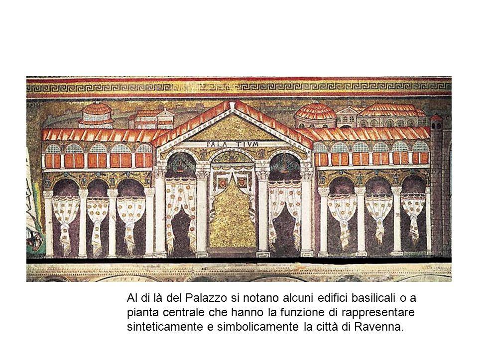 Al di là del Palazzo si notano alcuni edifici basilicali o a pianta centrale che hanno la funzione di rappresentare sinteticamente e simbolicamente la città di Ravenna.